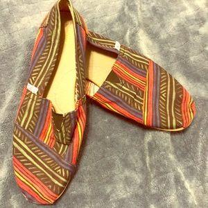 TOMS Men's 10.5 Multi-Colored Tribal Slip On